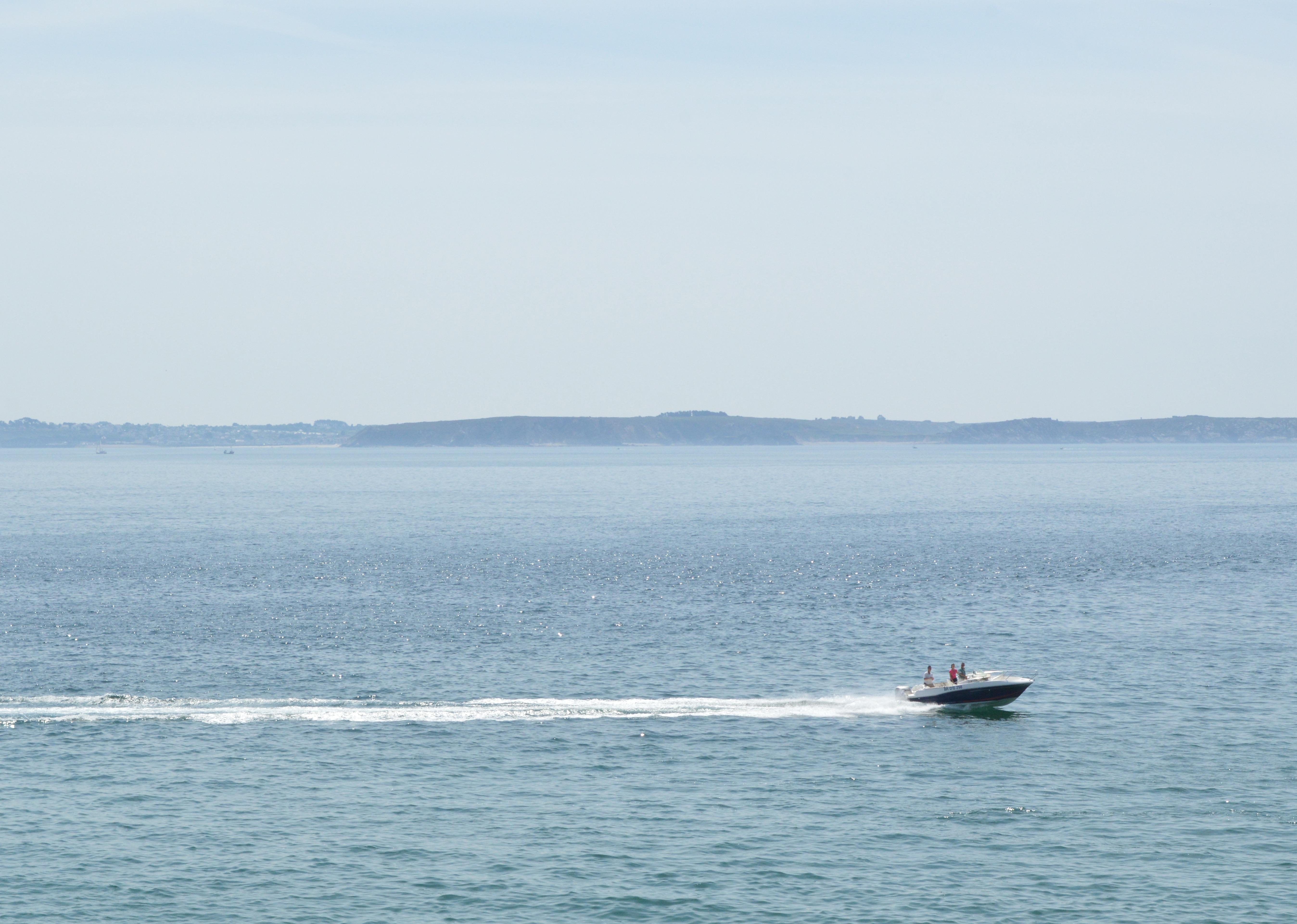 船外機付きボート